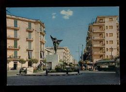 C3576 ERCOLANO - PIAZZA TRIESTE CON STATUA VG 1984 - EDIZ. VINCENZO CARCAVALLO - Ercolano