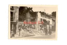 Photo Poitiers Ruine Destruction Batiment Rue Personne 1940 Guerre Bombardement 8,5x6 Cm - Lugares