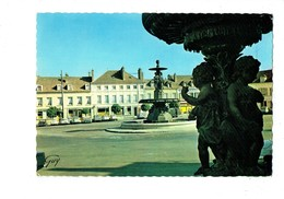 Cpm 77 MELUN Place Saint Jean - OC 4116 Leconte - Voiture FIAT CITROEN 2 CV IDEE - Melun