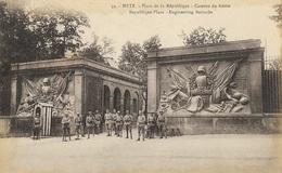 METZ - Place La La République - Caserne Du Génie - Metz