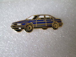 PIN'S    BMW   525    Email Grand Feu - BMW