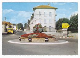 01 Bourg En Bresse N561 Rond Point Du Jura VOIR ZOOM Camion Berliet Renault 4L Camionnette Garage Station Essence Shell - Non Classificati