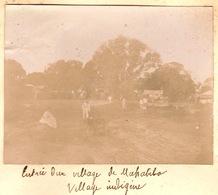 1902 Photo Entrée Du Village De Mahabibo Majunga Madagascar - Bateaux