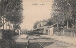 CPA (01) BELLEY La Gare (Intérieur) Train Chemin De Fer (2 Scans) - Belley