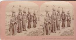 STEREO PHOTO  KILBURN YEAR 1898 / PALESTINE / THE BEAUTIFUL WATER CARRIERS OF RAMALIAH / RARE - Palestine