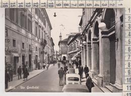 RIETI  VIA GARIBALDI ANIMATA + AUTO VG  1956 - Rieti