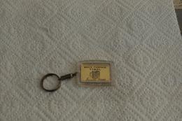 REF PLAS1 : Porte Clé Clef Moutarde Maitre Jacques DIGECO - Key-rings