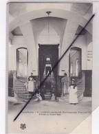 Luxeuil Les Bains (70) Etablissement Thermal . Entrée Du Grand Bain (avec Personnage). N° 6 - Luxeuil Les Bains