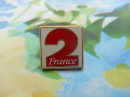 A057 -- Pin's France 2 Arthus Bertrand - Arthus Bertrand