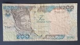 RS - Nigeria 200 Naira Banknote 2012 #AB/6 841127 - Nigeria