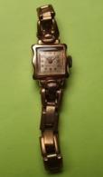 Montre Femme - REC -  Vers 1950 / 60 - Plaqué OR Et Fond Acier- Ancre 15 Rubis - Bracelet à Ressorts - NE FONCTIONNE PAS - Horloge: Antiek