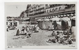 CABOURG - N° 208 - LA PLAGE AVEC PERSONNAGES - CPA NON VOYAGEE - Cabourg