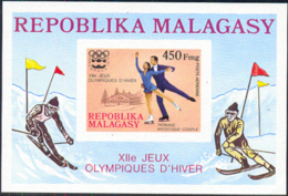 MADAGASCAR (1976) Innsbruck Olympics. Imperforate S/S. Scott No C151, Yvert No BF9. - Madagaskar (1960-...)