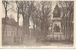 77 - MELUN - Boulevard Chamblain - Monument De 1870-71 - (Petite Animation) - Melun