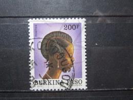 "VEND BEAU TIMBRE DU BURKINA FASO N° 837 , OBLITERATION "" KOUDOUGOU "" !!! - Burkina Faso (1984-...)"