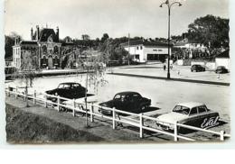 SEPTEUIL - Le Parking - DS Citroën - Dauphine Renault - Septeuil
