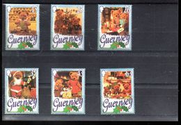 GUERNESEY 757/762** SUR LE NOEL DES OURS - Guernsey