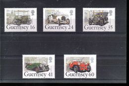 GUERNESEY 648/652** SUR D ANCIENNES AUTOMOBILES - Guernsey