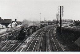 PHOTO 17 X 12 DE  DOUAI NOIR ET BLANC TRAIN A VAPEUR - Douai