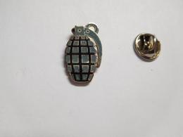 Beau Pin's En EGF , Armée Militaire , Grenade - Armee