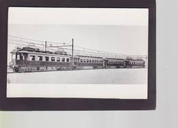 CPSM Train Locomotive Gros Plan Chemin De Fer Voir Texte Au Dos Hollande - Eisenbahnen