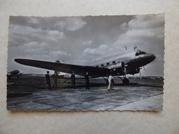 LE BOURGET  KLM  DC 3   /  AEROPORT / AIRPORT / FLUGHAFEN - Aérodromes