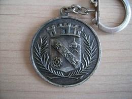 Porte-clés Métal Centenaire De Levallois- Perret 1866-1966 - Key-rings
