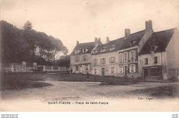 77. N° 104979 .saint Fiacre .place Du Village . - Francia