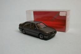 Herpa - VOITURE VW VOKSWAGEN VENTO GL Gris Foncé Métallisé Réf. 031202 BO HO 1/87 - Baanvoertuigen