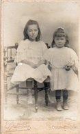 V05x  CDV 2 Petites Fillettes Robes Bottines Photographe Barthelemy à Chalon Sur Saone - Photographs