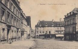 FALAISE (Calvados): Place Guillaume-le-Conquérant - Falaise