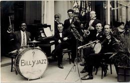 """CARTE PHOTO GROUPE  """" BILLY JAZZ """" En 1928   """" LITTLE ROYAL Saison 1928 """" Groupe Musiciens - Musique Et Musiciens"""