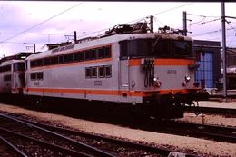Photo Diapo Diapositive Slide Train Wagon Locomotive Electrique SNCF BB 8538 VSG En 11/1991 VOIR ZOOM - Diapositives (slides)