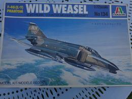 Maquette Avion Militaire--en Plastique-1/72.- Italeri Ref  134  WILD WEASEL F4G PHANTOM - Airplanes