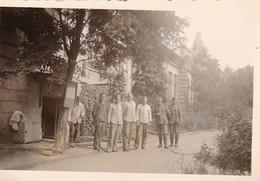 Foto Gruppe Deutsche Soldaten  - Ukraine Region Mariupol Makijiwka - Ca. 1942 - 8*5cm (50365) - Lieux