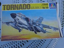 Maquette Avion Militaire--en Plastique-1/72.- Italeri Ref 151 TORNADO GR MK1 - Airplanes
