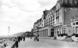 CABOURG - LE GRAND HOTEL ET LA PLAGE - Cabourg