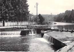 58 -  CLAMECY : Le Perthuis ( Ecluse ) CPSM Village (3.860 H ) Dentelée Noir Blanc Grand Format 1965- - Clamecy