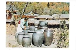 Corée Du Sud   A Place To Keep Jars Of Soy Sauce Korea  Endroit Pour Garder Des Pots De Sauce Au Soja  TBE - Korea, South