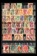 Kleines Album Mit Marken Aus Aller Welt / Small Collection From Around The World - Timbres
