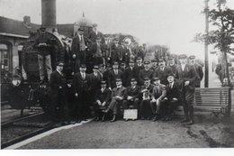 PHOTO 17 X 12 DE  LIBERCOURT NOIR ET BLANC CHEMINOTS VERS 1925 - France