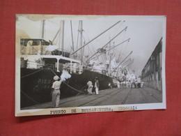RPPC-- >Puerto De  Buenaventura  Colombia   Out Of Album Paper Residue On Back     Ref 4099 - Colombia