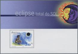 Angola: 2001, TOTAL SOLAR ECLIPSE Souvenir Sheet, Investment Lot Of 500 Copies Mint Never Hinged (Mi - Angola