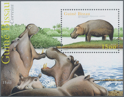 Guinea-Bissau: 2001, HIPPOPOTAMUS, Souvenir Sheet, Investment Lot Of 500 Copies Mint Never Hinged (M - Guinée-Bissau