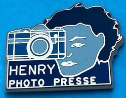 PHOTOGRAPHE HENRY - PHOTO - PRESSE - VIOLET - VISAGE DE FEMME - APPAREIL DE PHOTOS - EGF- MAXIMILIEN PIN'S -       (25) - Photography