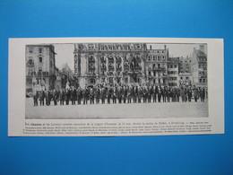 (1919) STRASBOURG - Les Alsaciens Et Les Lorrains Nommés Chevaliers De La Légions D'honneur, Devant La Statue De Kléber - Old Paper