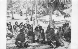 ATOLL DE BIKINI-OCEAN PACIFIQUE-ILES MARSHAL1946- HABITENT QUITTENT LEUR PAYS SUITE AUX EXPERIENCES DE LA BOMBE ATOMIQUE - Photos