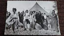 CPSM DANS UN CAMPEMENT A BOUTILIMIT DANSES FOKLORIQUES AU SON DU TAM TAM - Mauritania