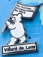 1er FESTIVAL INTERNATIONAL DU PIN'S - VILLARD DE LANS -  FRANCE - OURS DORE - (25) - Pin's & Anstecknadeln
