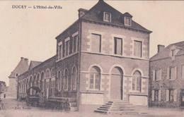 50 DUCEY L'Hôtel De Ville - Ducey